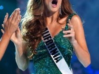 Alyssa-Campanella-Miss-California-USA-2011-is-crowned-Miss-USA-in-Las-Vegas