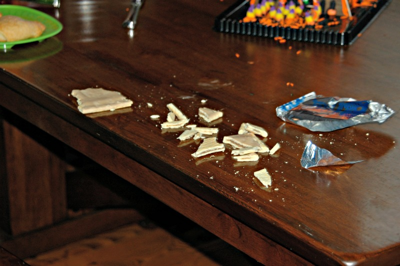 Dirty table... Never Have I Ever: Life's Unexpected Messes #CLXNeverHaveIEver