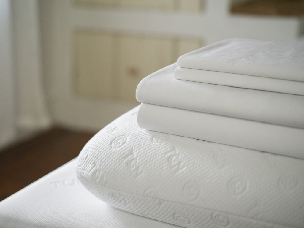 Tuft Amp Needle Mattress Sheets And Pillow Jenny On The